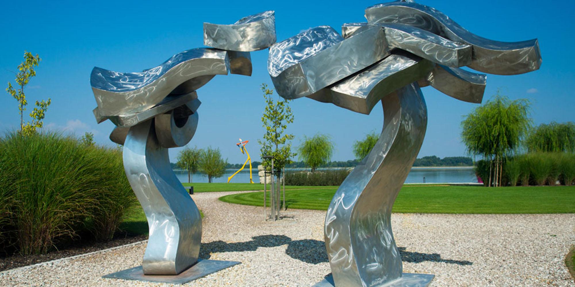 © Hans Van de Bovenkamp:  Danube portal, 2006; Danubia Meulensteen Art Museum